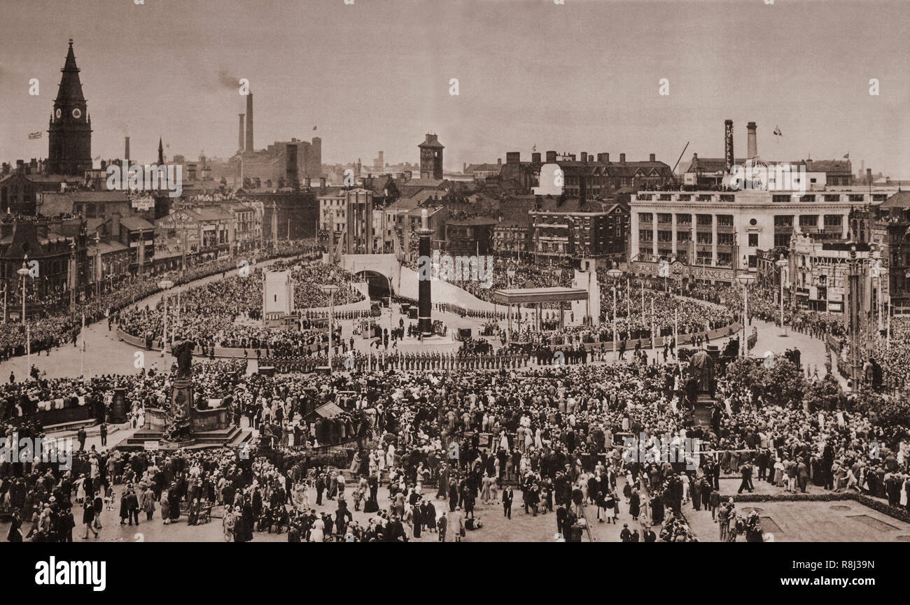 The opening of Queensway (Mersey) Tunnel in on 18th July 1934 was a key moment in the modern history of Liverpool, and connected Kings Square in Birkenhead with Old Haymarket in Liverpool. At the time of opening, the tunnel at a little over two miles long was the largest underwater road tunnel in the world. The opening ceremony was by King George V, who travelled down Kingsway, Liverpool, to the tunnel head. There the party was received by the Lord Mayor of Liverpool and Sir Thomas White, who read an address from the tunnel committee. The King replied and declared the tunnel open to the crowd  - Stock Image