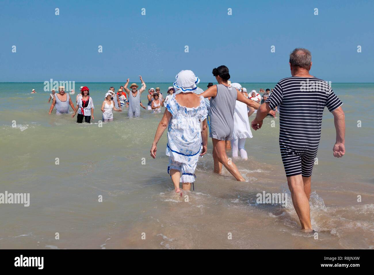 France, Somme, Mers les Bains, swimmers' day, sea bath in costume belle époque - Stock Image