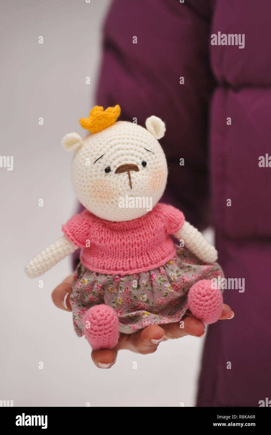 To Russia with Love Bear - Amigurumi. (Free pattern). | Crochet ... | 1390x865