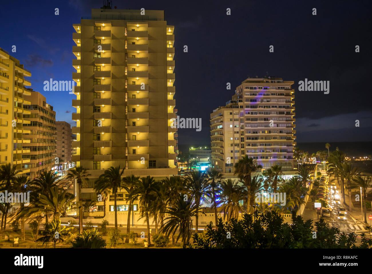 Nachtaufnahme in Puerto de la Cruz, Teneriffa - Stock Image