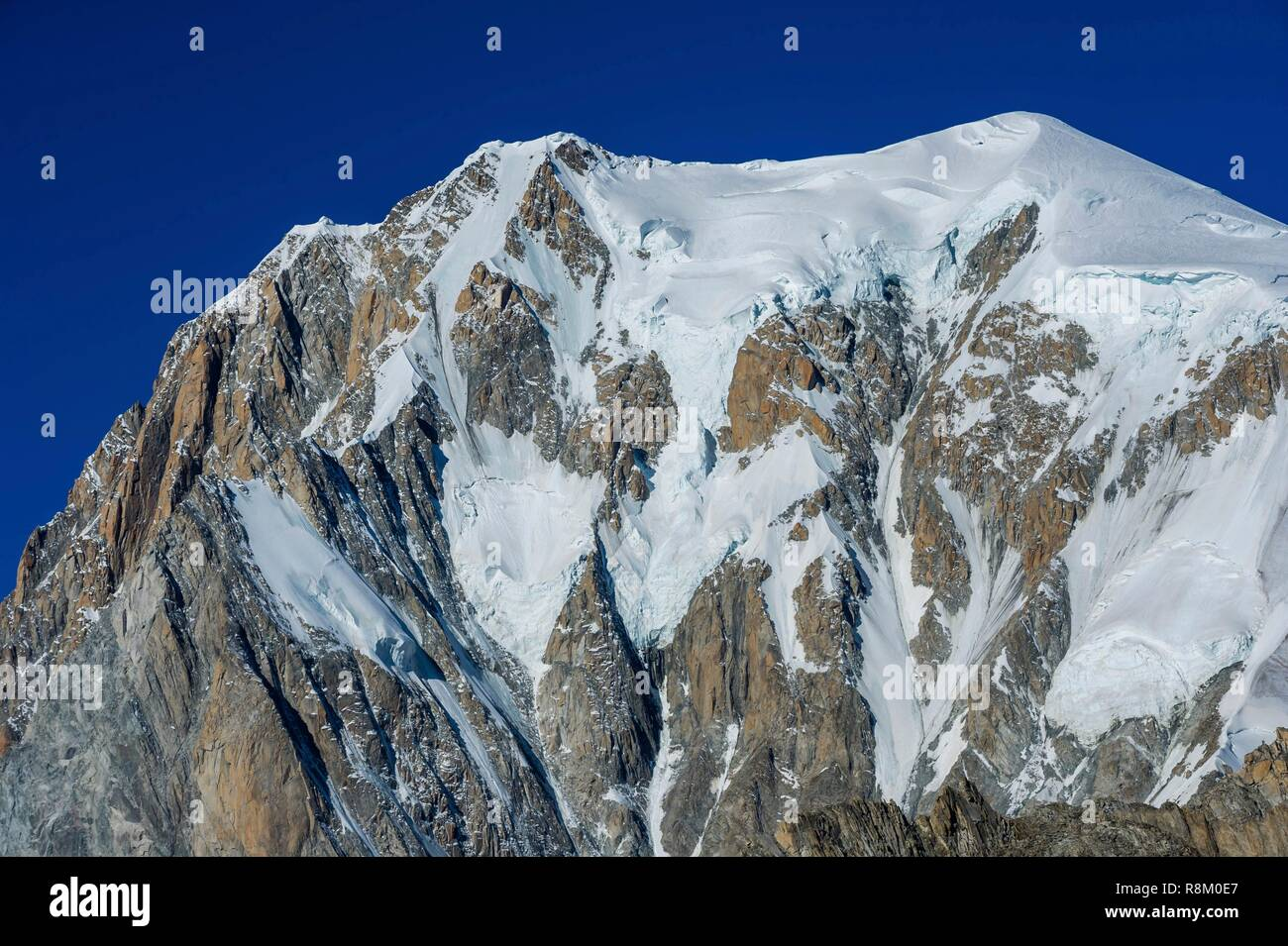 Italy, Val d'Aoste, Courmayeur, italian side of Mont-Blanc, from the Pointe Helbronner - Stock Image