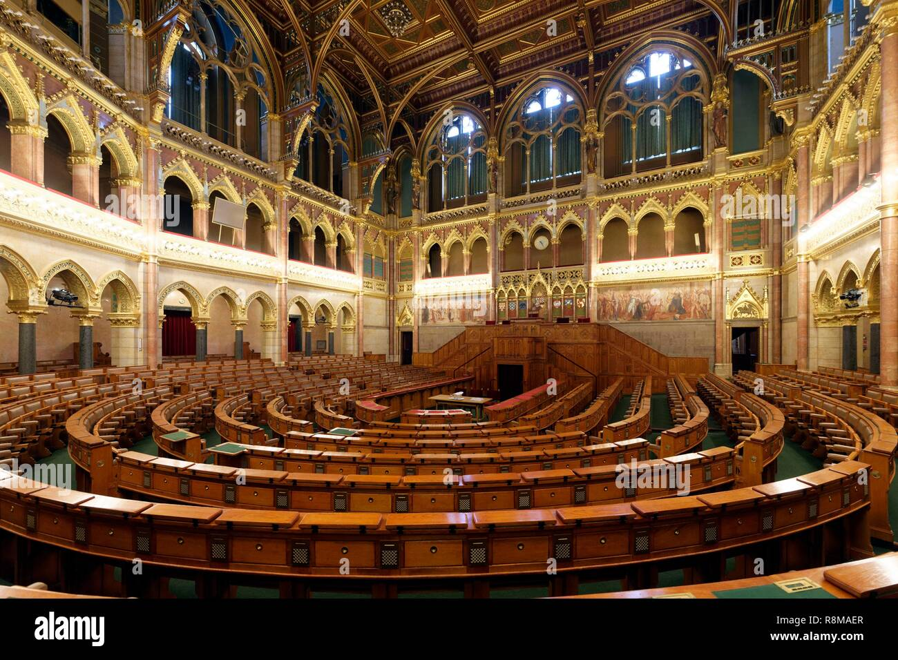 Hungary, Budapest, listed as World Heritage by UNESCO, Pest district, the Hungarian Parliament Building, a large neo gothic monument built in the early 20th century, seat of the National Assembly of Hungary, debating chamber - Stock Image