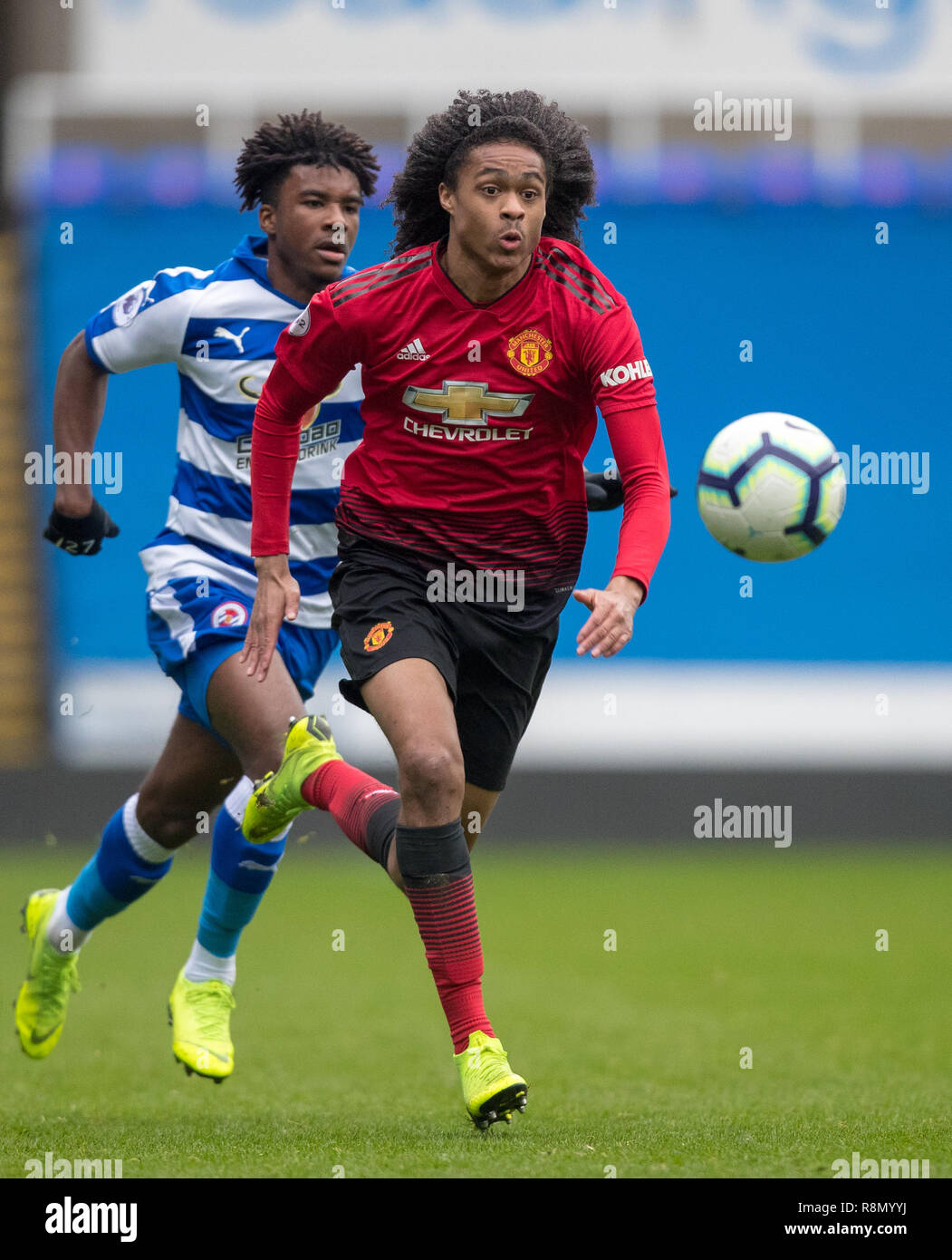 Reading Uk 16th Dec 2018 Tahith Chong Of Man Utd U23 Moves From Omar Richards Of Reading U23 During The Premier League 2 Division 2 Match Between Reading U23 And Manchester United