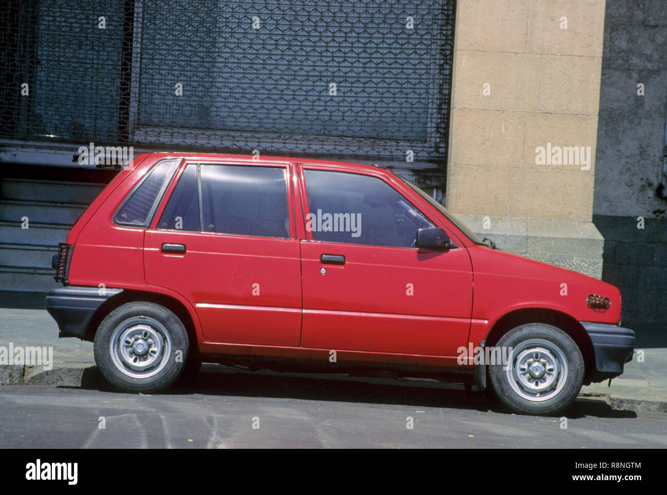 red maruti 800 car, india - Stock Image