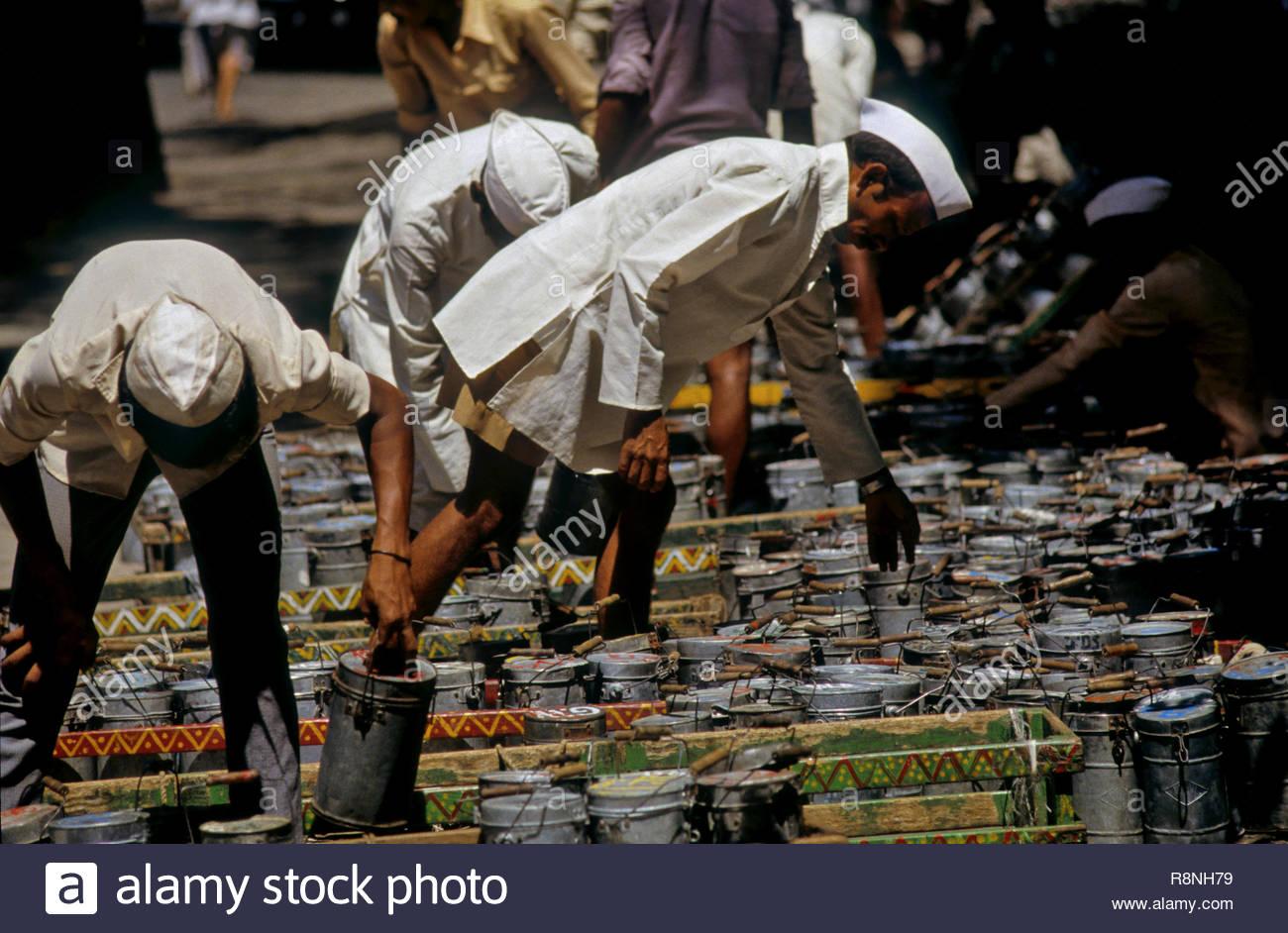 dabbawallas deliver, bombay mumbai, maharashtra, India - Stock Image