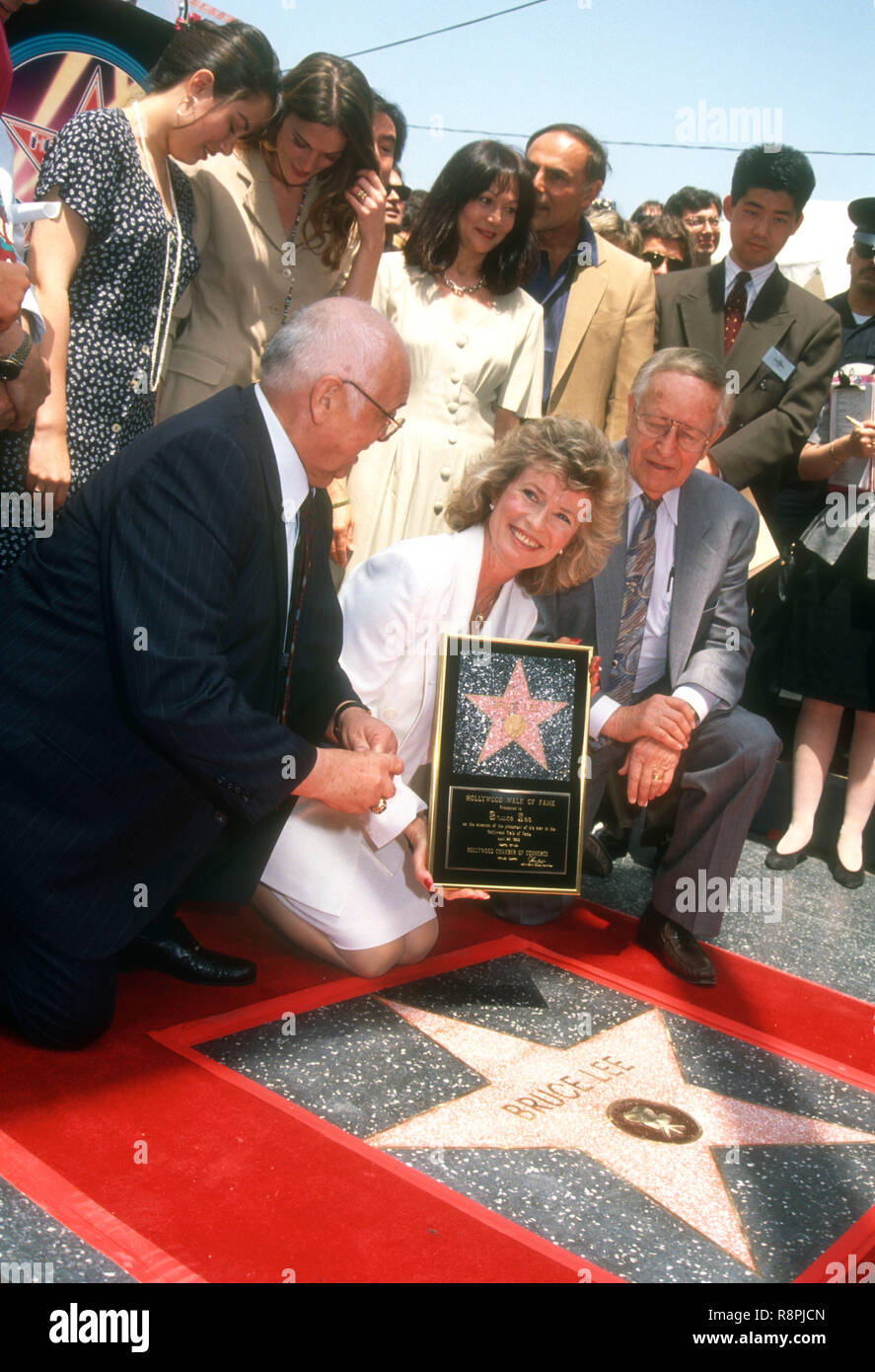 Hollywood Ca April 28 Shannon Lee Mother Linda Lee Caldwell Eliza Hutton And Robert Lee Attend The Hollywood Walk Of Fame Ceremony For Bruce Lee On April 28 1993 At 6933 Born on 9th february, 1964 in kansas city, missouri, she is famous for was engaged to brandon lee. https www alamy com hollywood ca april 28 shannon lee mother linda lee caldwell eliza hutton and robert lee attend the hollywood walk of fame ceremony for bruce lee on april 28 1993 at 6933 hollywood boulevard in hollywood california photo by barry kingalamy stock photo image229149445 html