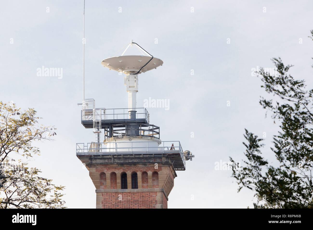France, Gironde, Hourtin forest, Hourtin, The old Hourtin lighthouse that was transformed for an army usage - Stock Image