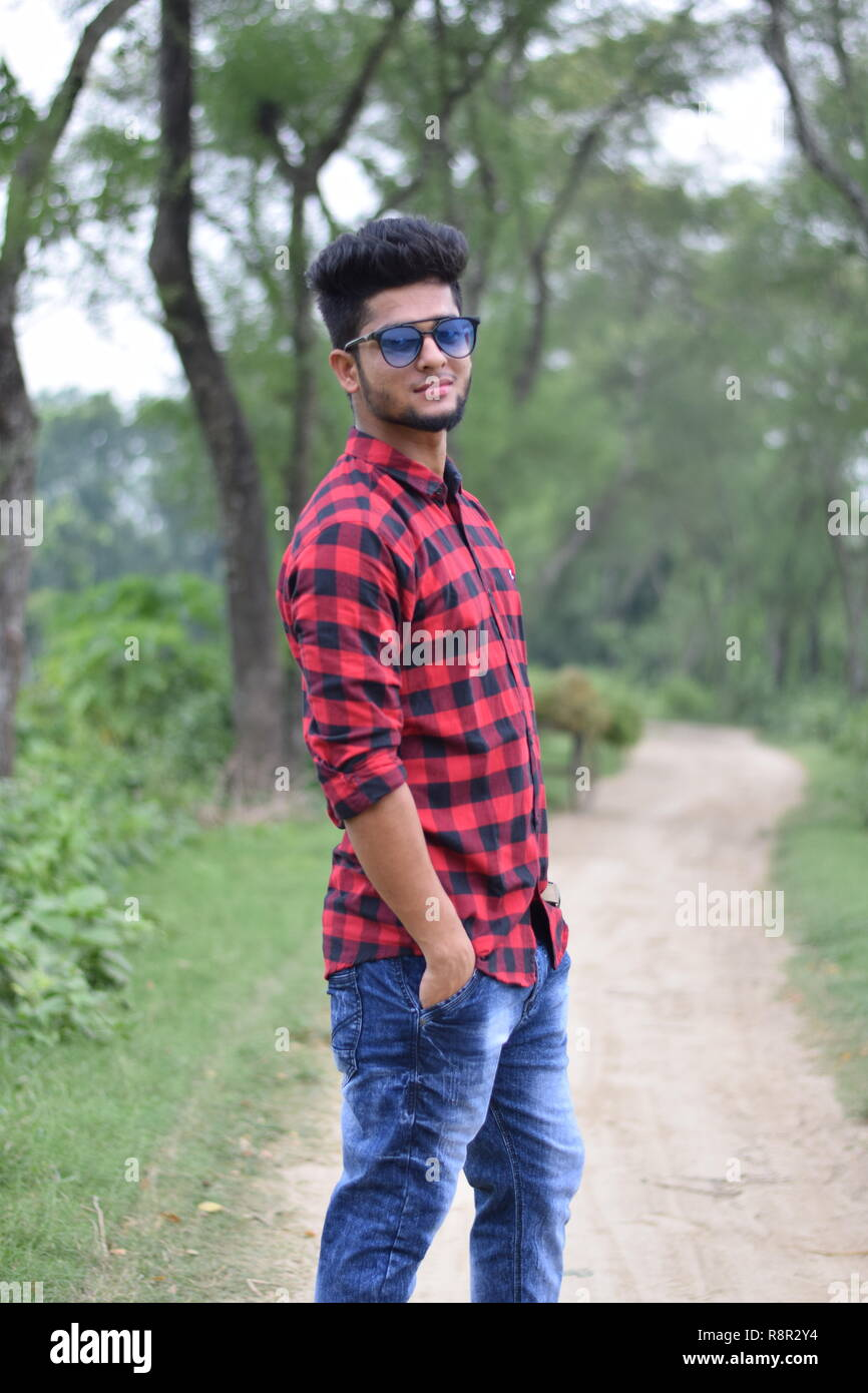 Outdoor Portrait Photography Best Poses With Blur Natural Background Stock Photo Alamy