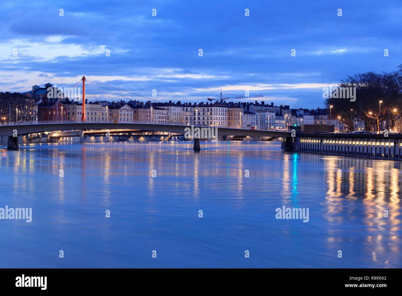 France, Rhône, Lyon, 5th arrondissement, Vieux Lyon district, Alphonse Juin bridge over the Saône in flood - Stock Image