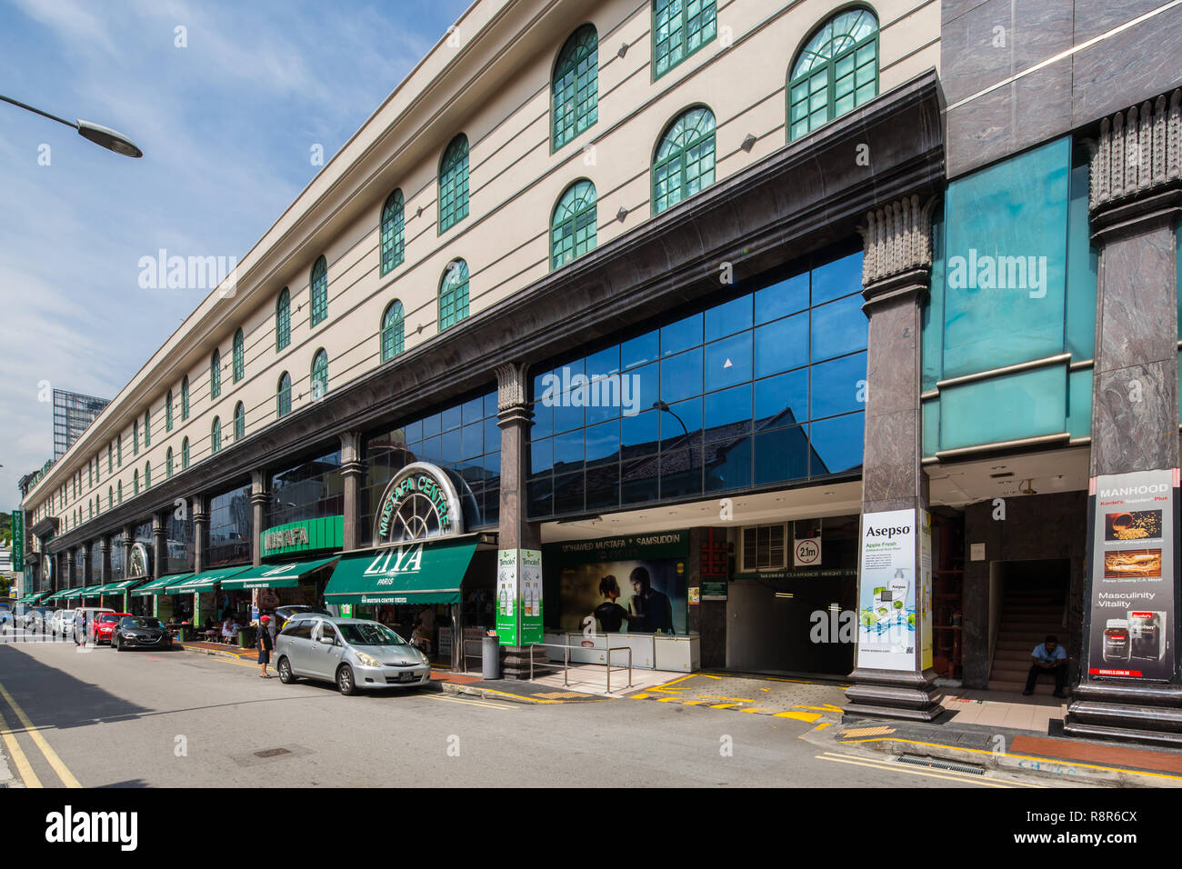 fb416246c2b00 Mustafa Centre is one of Singapore s 24-hour shopping malls on Syed Alwi  Road in