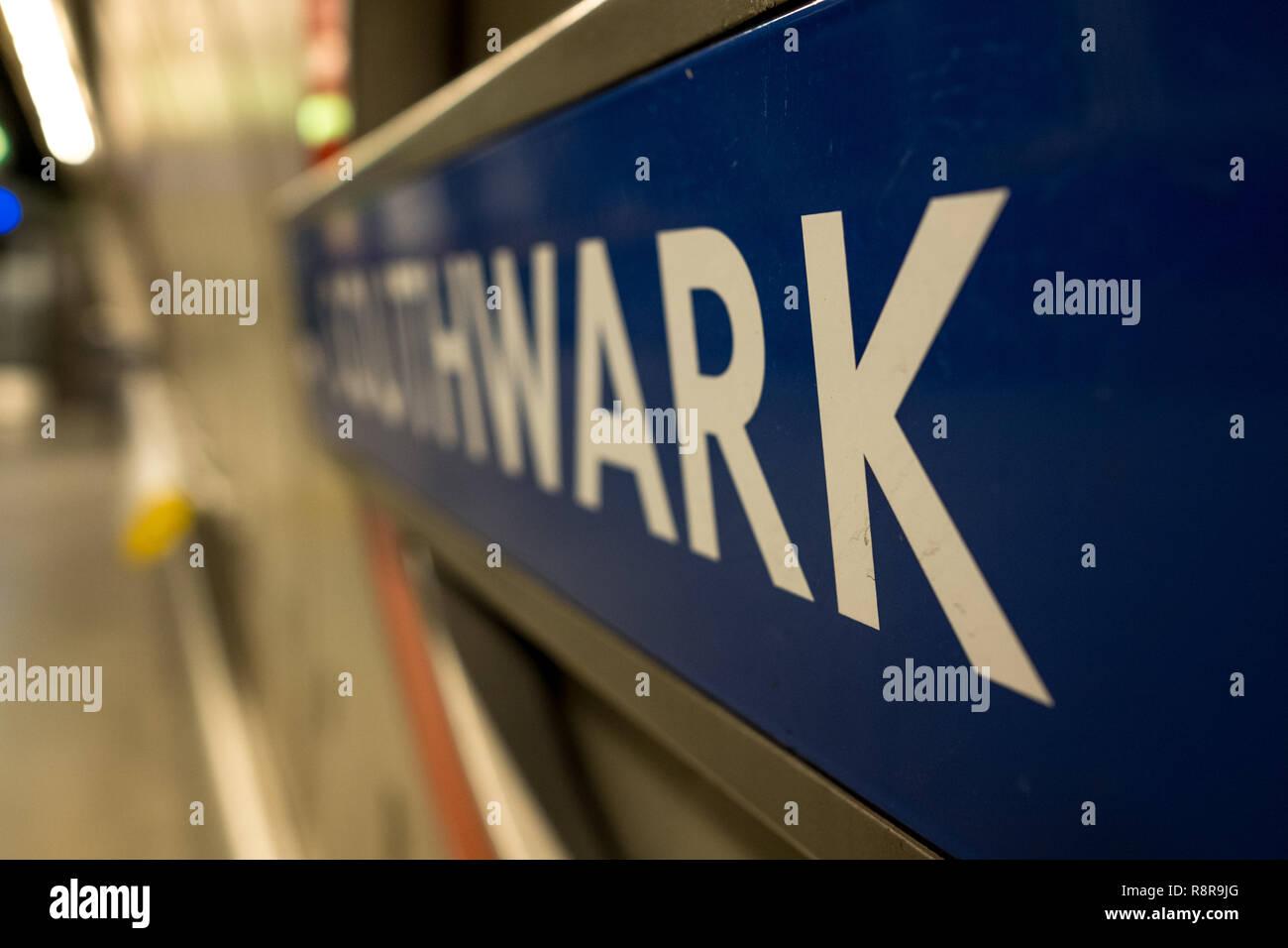 Platform at Southwark Underground Station, London UK showing station name in TFL roundel. - Stock Image