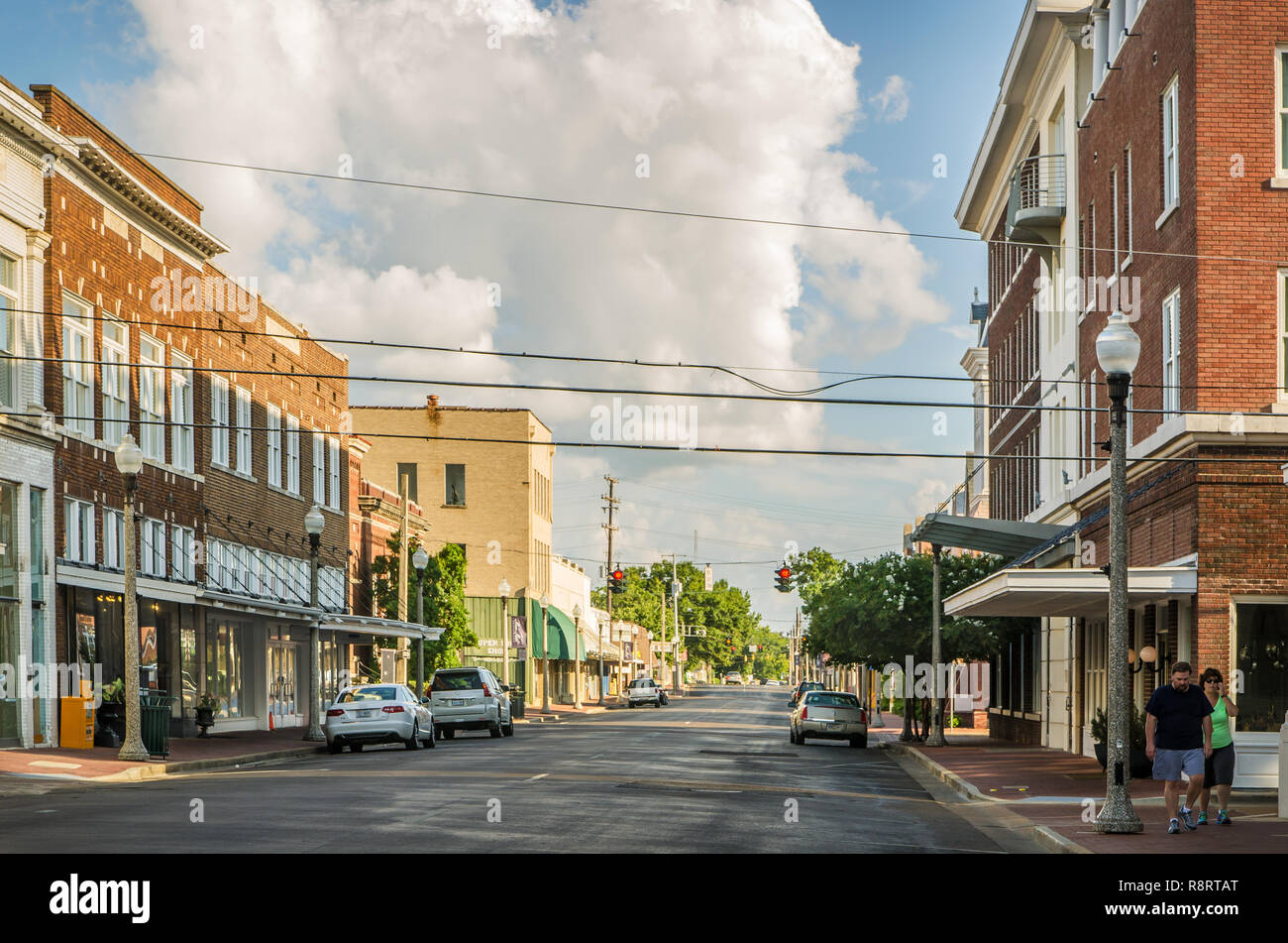 Howard Street, in downtown Greenwood, Mississippi, is a popular shopping destination, with locally-owned bookstores and gift shops. - Stock Image