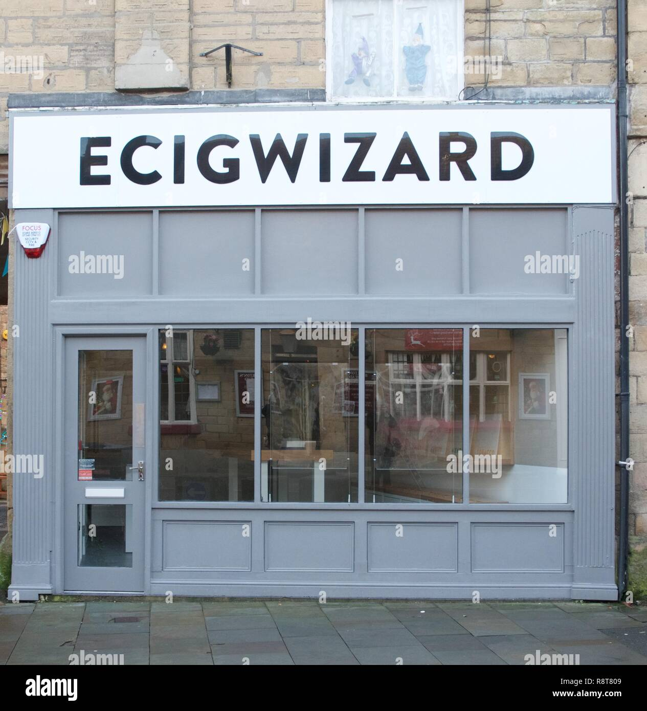An e-cig shop in Buxton,  Derbyshire - Stock Image