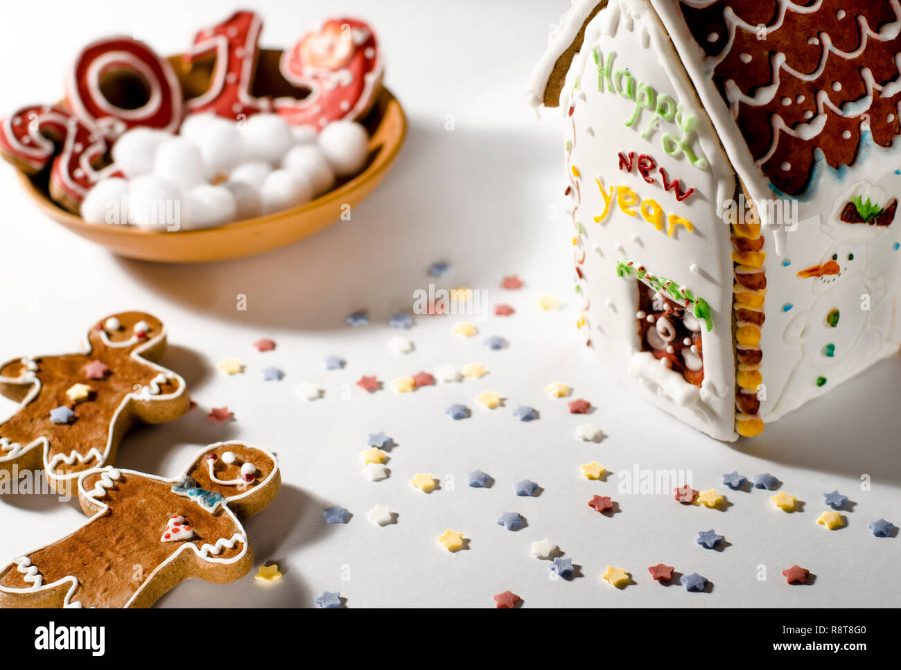 2019 White House Christmas Card.Christmas Card On A Wooden Plate There Are Red Ginger
