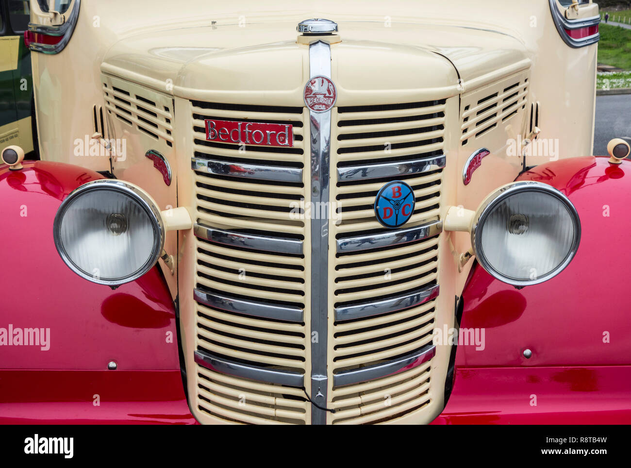 1950 Bedford OB Duple Vista Coach, close up of radiator grill and headlights - Stock Image
