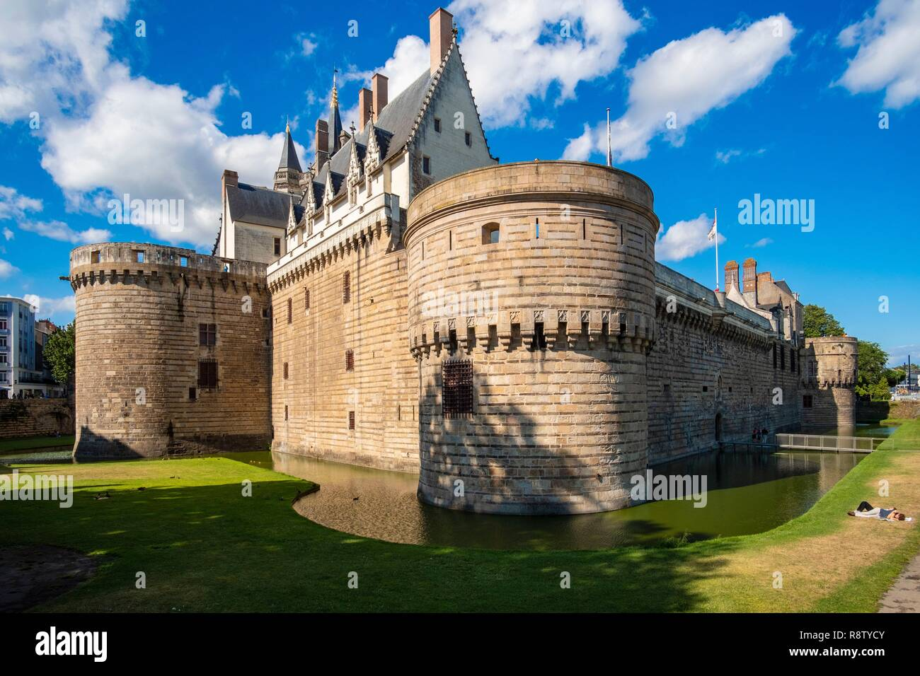 France, Loire Atlantique, Nantes, castle of the Dukes of Brittany and the moats - Stock Image