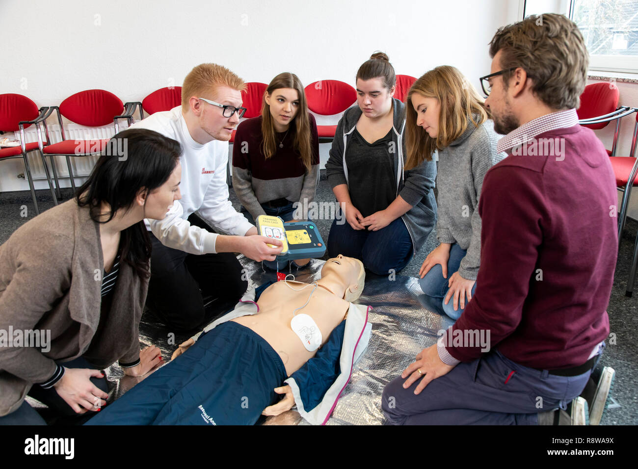 First Aid Course, First Aid Training, Emergencies, Practice Training, Resuscitation, Cardiac Arrest, Using AED, Automated External Defibrillation, - Stock Image