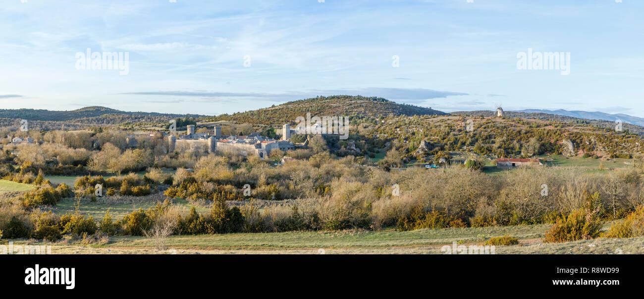 France, Aveyron (12), les Causses et les Cévennes, paysage culturel de l'agro-pastoralisme méditerranéen, classés Patrimoine Mondial de l'UNESCO, Caus - Stock Image