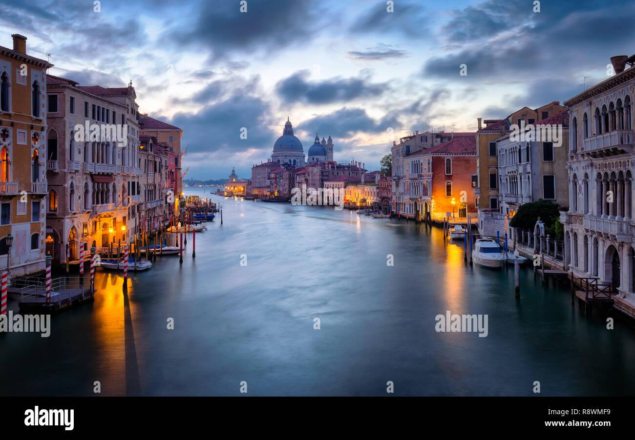 Sunrise at the Basilica di Santa Maria della Salute, Venice - Stock Image