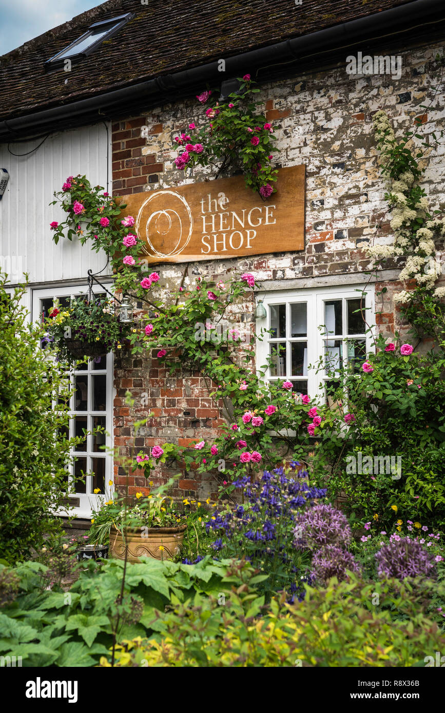 The Henge Shop in the village of Avebury, Wiltshire, England, Europe. - Stock Image