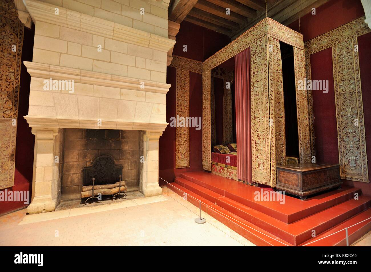 France, Loir et Cher, Valley of the Loire listed as World Heritage by UNESCO, Chambord, the Royal Castle, François 1st bedroom, reconstituted bed of François 1er Stock Photo
