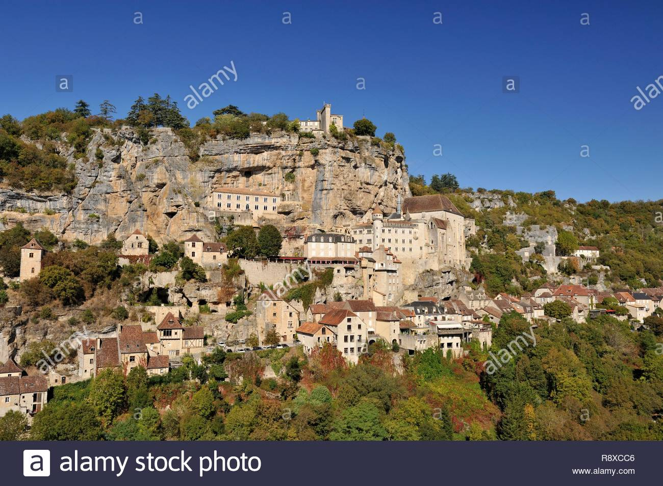 France, Lot, Haut Quercy, Rocamadour, medieval religious city with its sanctuaries overlooking the Canyon of Alzouet and step of the road to Santiago de Compostela - Stock Image