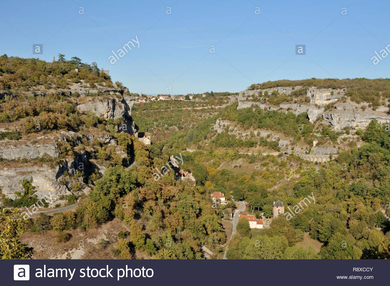 France, Lot, Haut Quercy, Rocamadour, medieval religious city with its sanctuaries overlooking the Canyon of Alzouet and step of the road to Santiago de Compostela, seen from the west - Stock Image