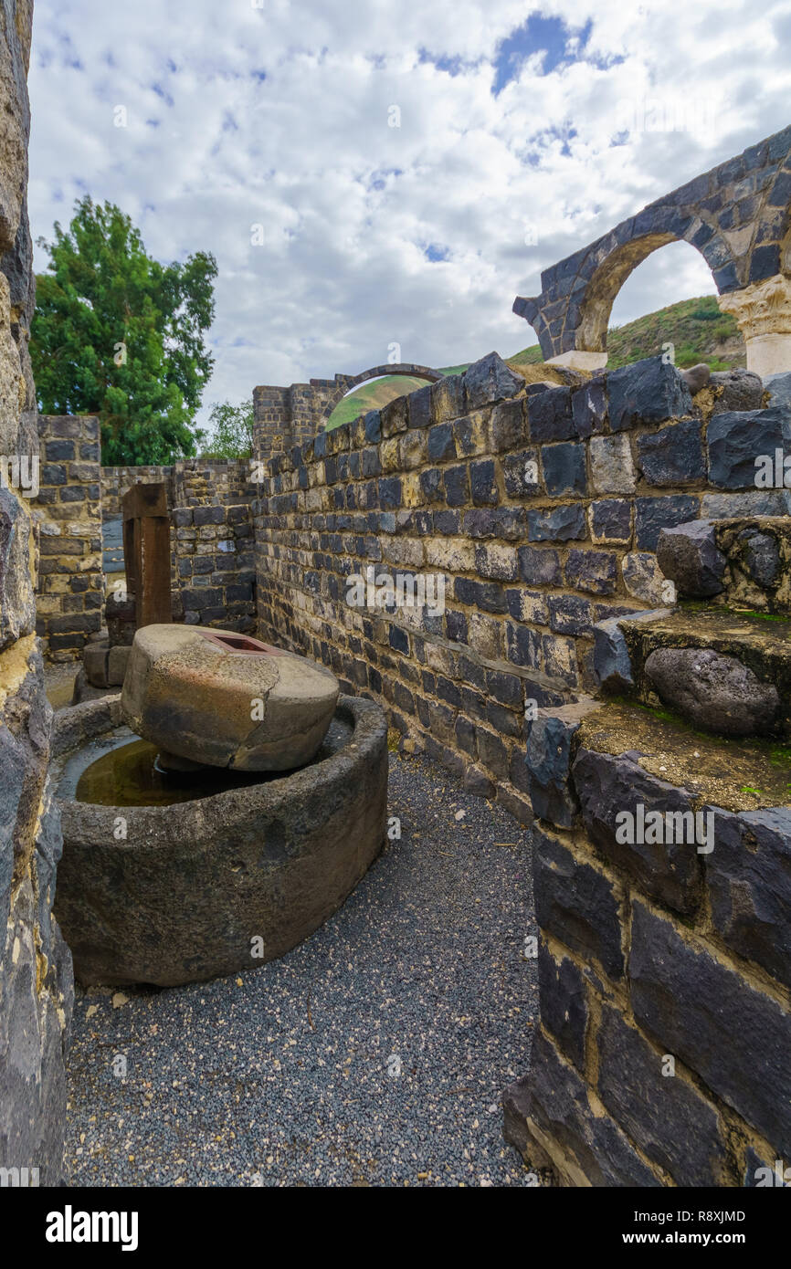 Remains of an olive press in the Byzantine monastery, in Kursi National Park, Golan Heights, Northern Israel. Identified as Gergesa (Miracle of the Sw - Stock Image