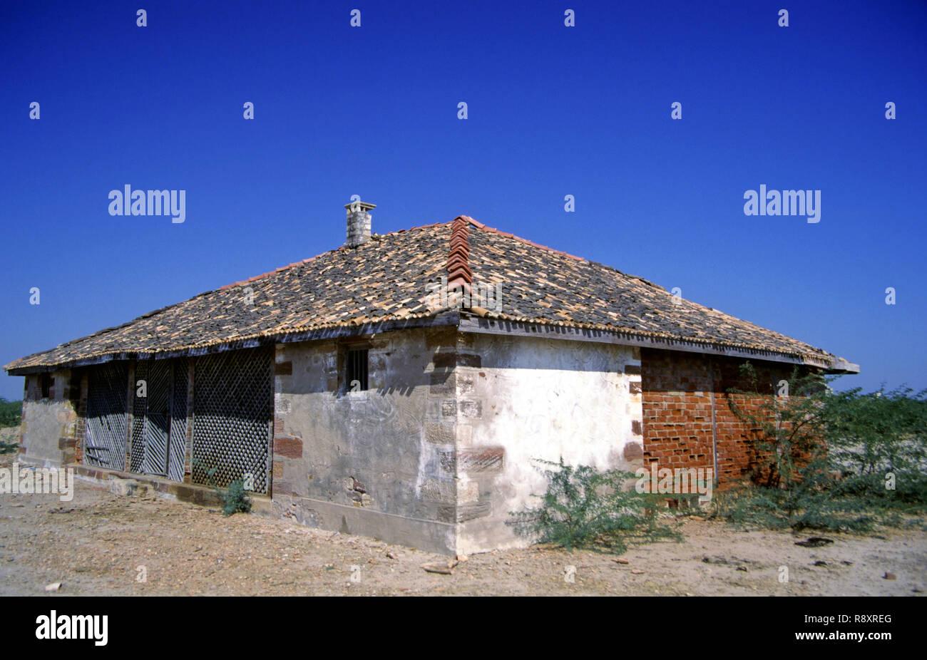 Old British Rest House, Jhinjhuwada, Gujarat, India - Stock Image