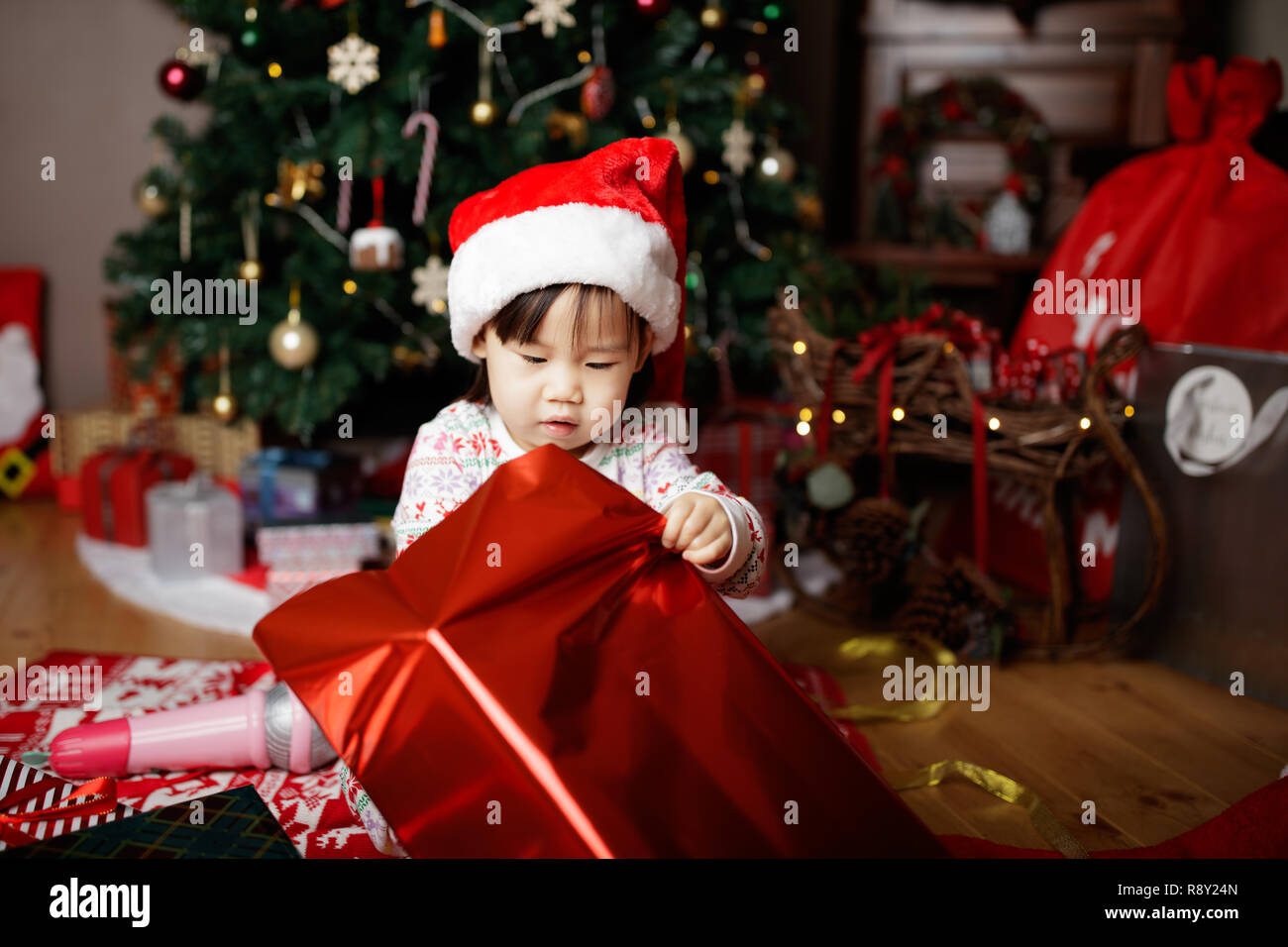 Toddler Christmas Tree Costume.Toddler Baby Girl Wearing Santa Claus Costume Open Gift Box