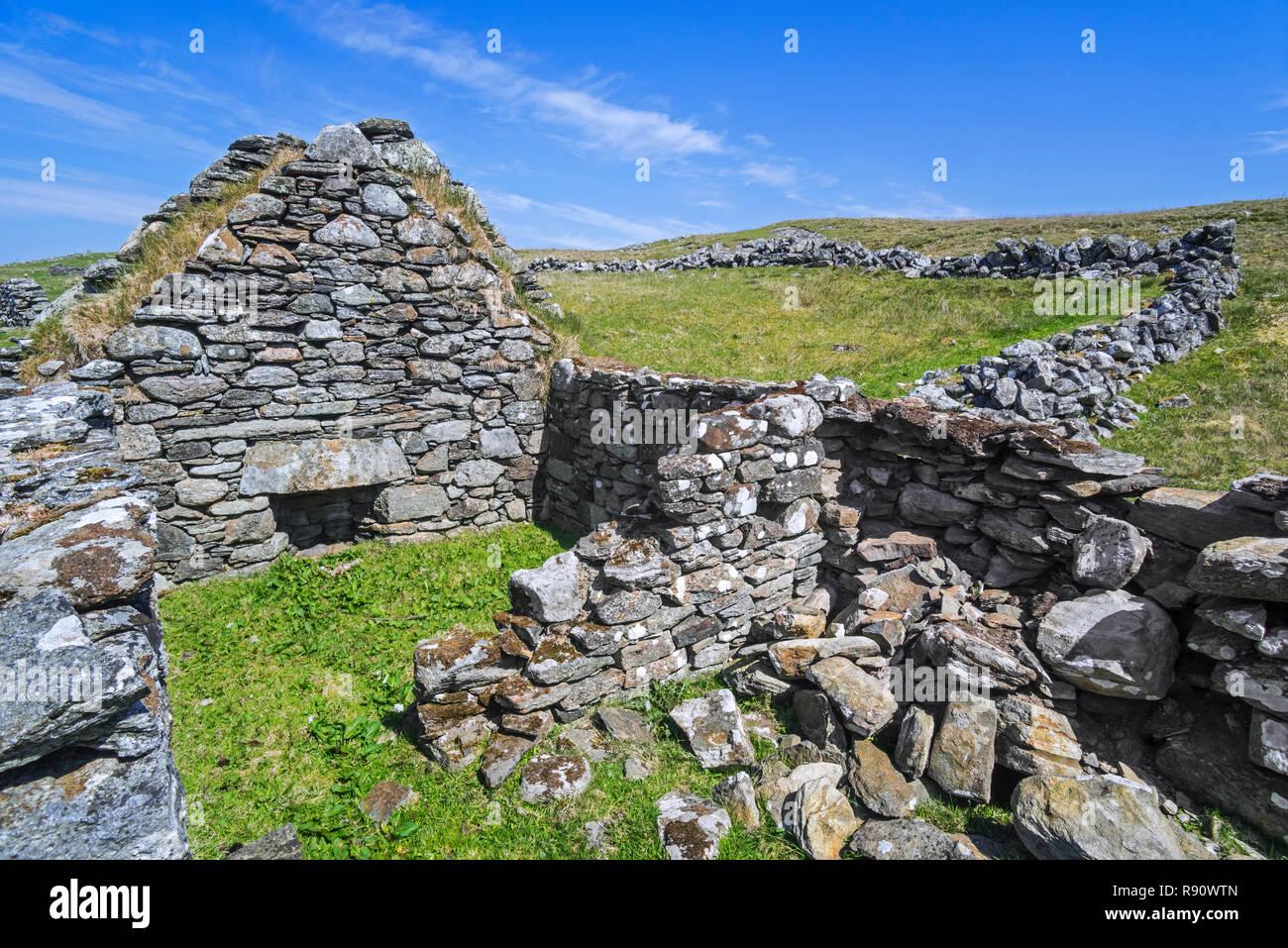 Remains of croft, abandoned during the Scottish Highland Clearances, Shetland Islands, Scotland, UK - Stock Image