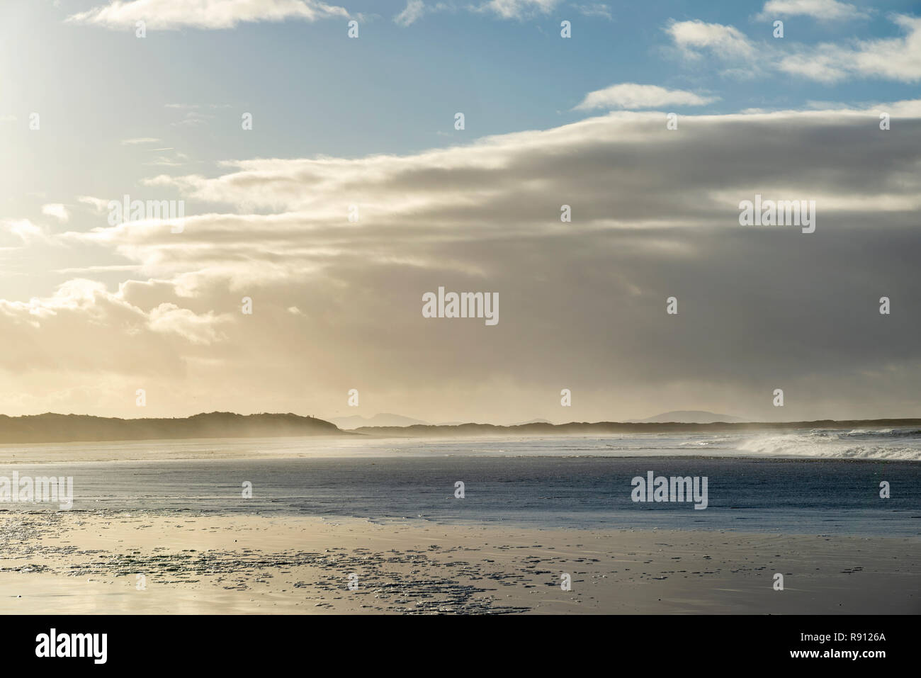 South Uist beach and grass-covered sand dunes - Stock Image