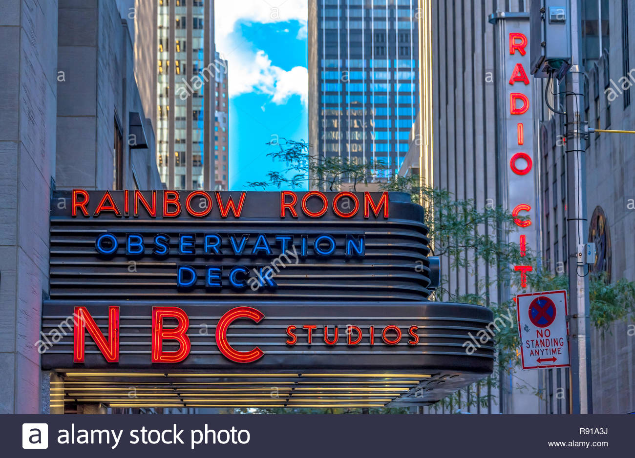 Nbc Studios In New York City Historic 30 Rockefeller Plaza In Midtown Manhattan Is Home To Nbc Studios An Observation Deck And A Nightclub Rainbow Stock Photo Alamy