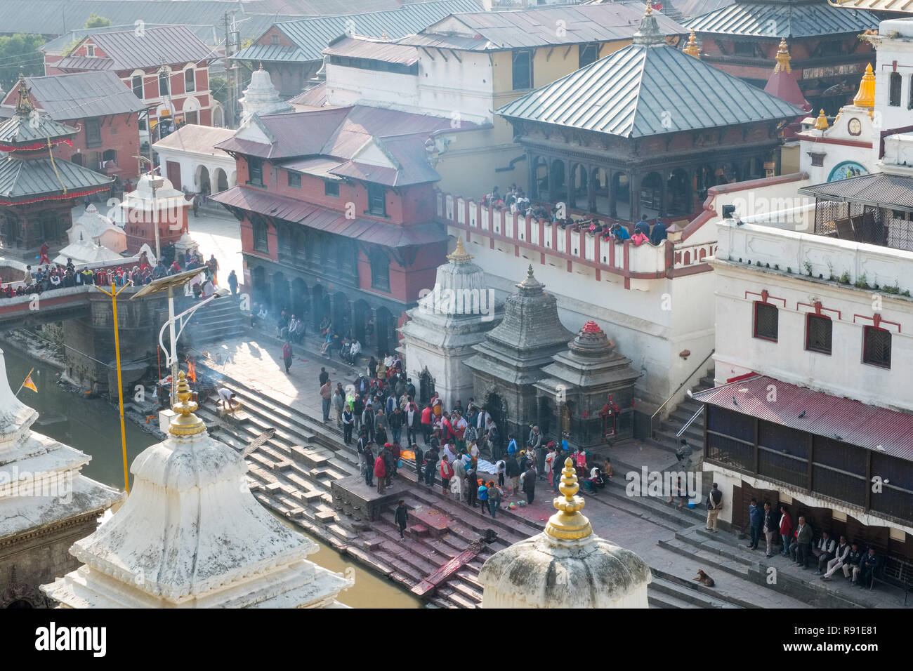 Cremation ghats on the Bagmati river at Pashupatinath, Nepal's most important Hindu temple, Kathmandu. - Stock Image