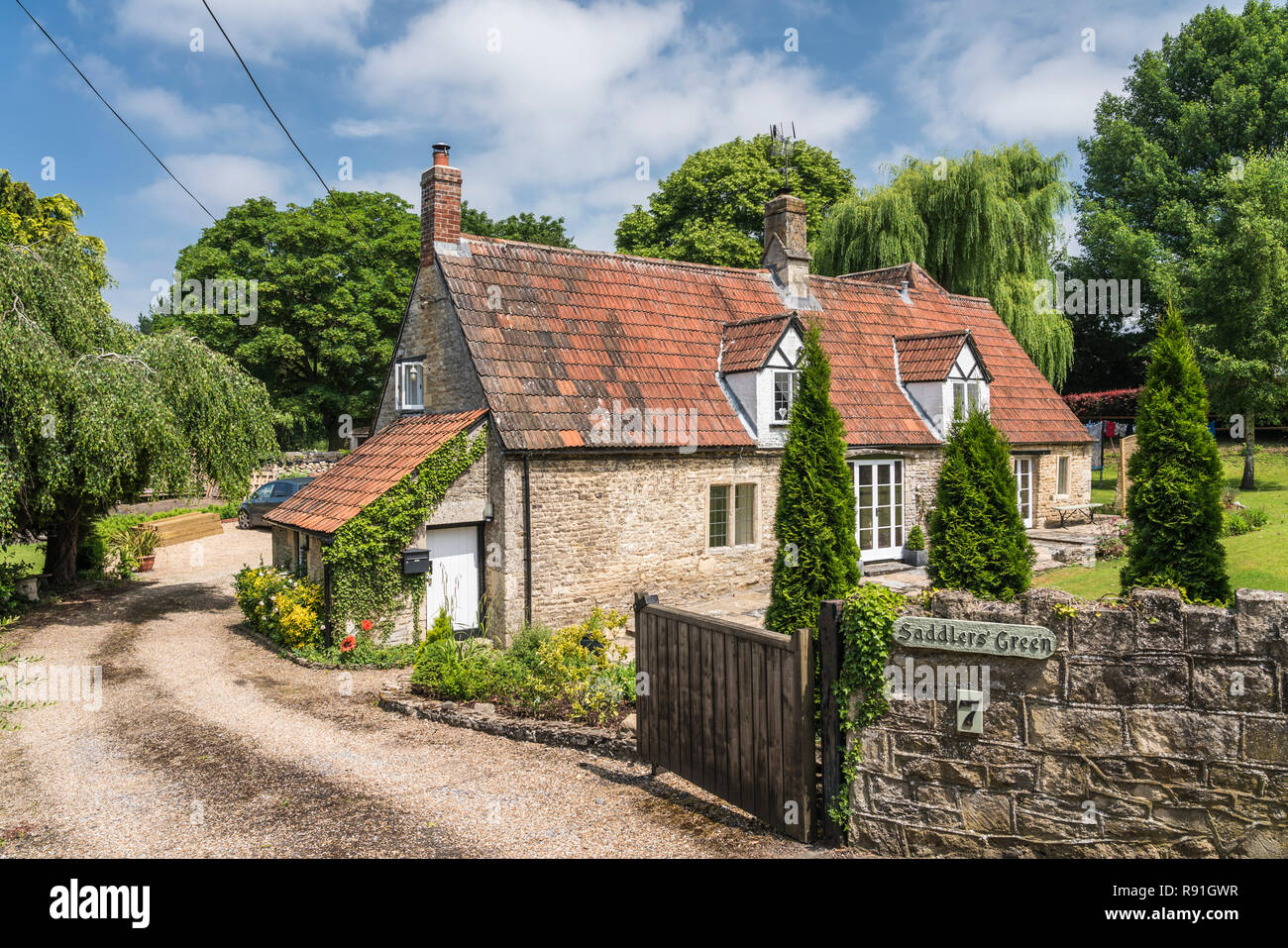 A cottage in the countryside near Corsham, Wiltshire, England. Stock Photo