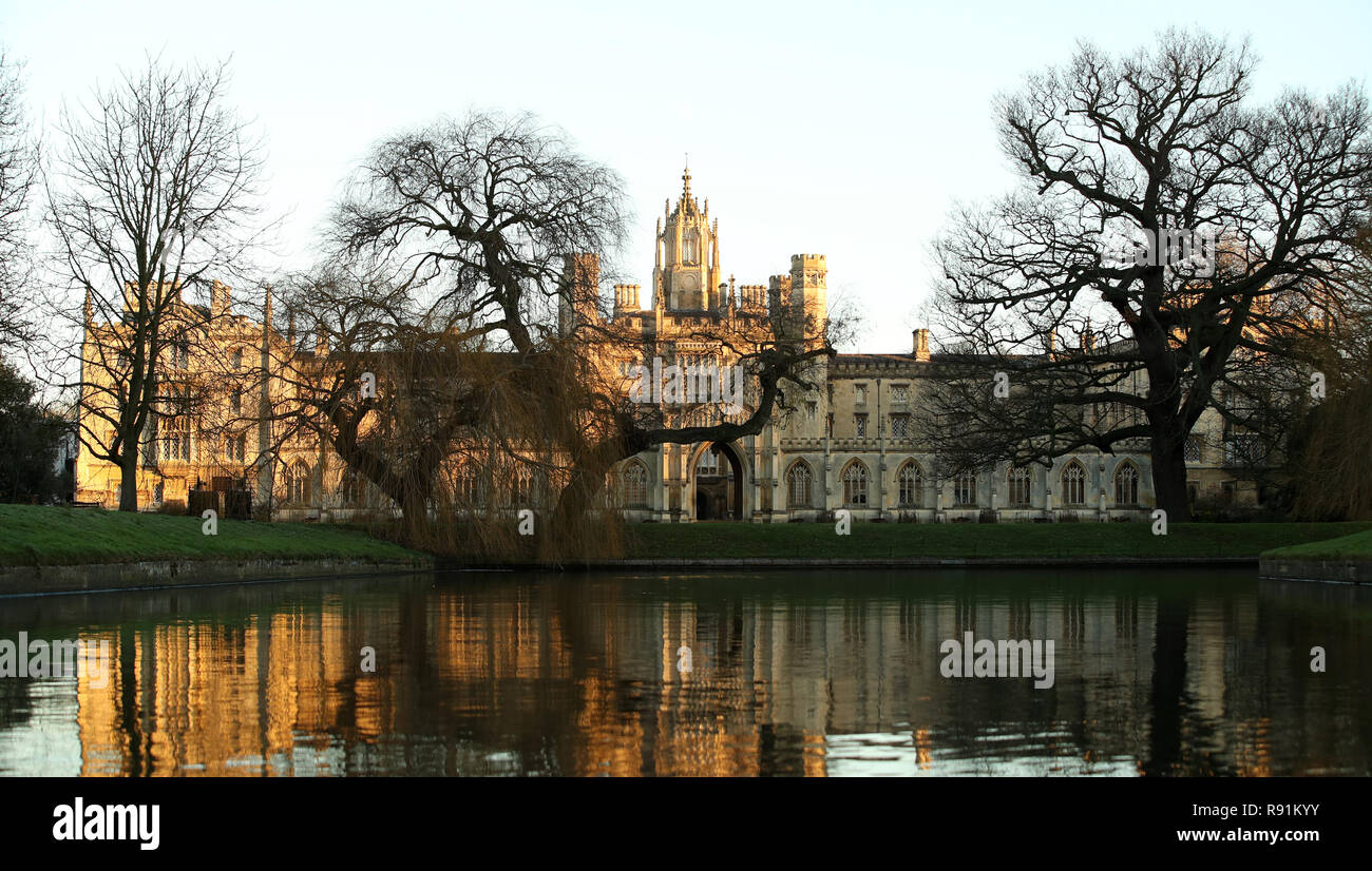 University of Cambridge St John's College along the river Cam in Cambridge. - Stock Image