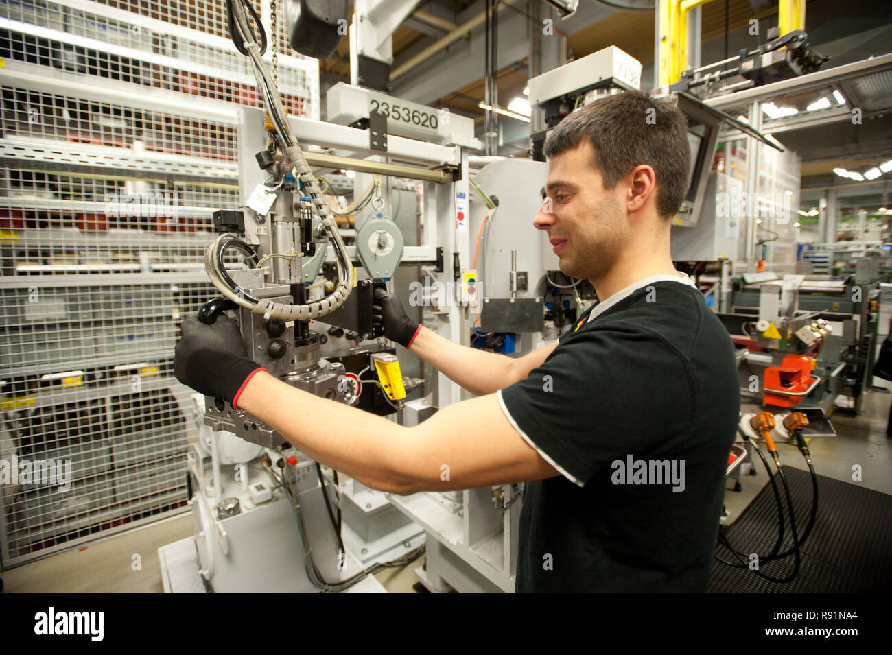 18.11.2010, Neumuenster, Schleswig-Holstein, Germany - Die Firma Sauer-Danfoss in Neumuenster stellt ein neues Konzept fuer die Personalplanung mit ae - Stock Image