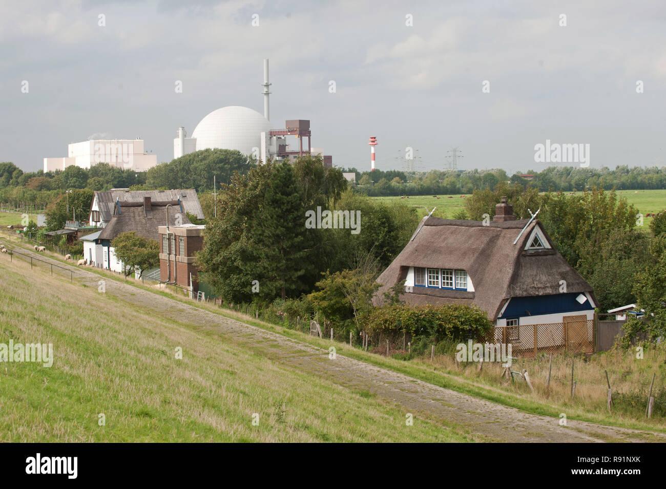 24.08.2011, Brokdorf, Schleswig-Holstein, Germany - Kernkraftwerk Brokdorf von Hollerwettern aus gesehen. 0RX110824D582CAROEX.JPG [MODEL RELEASE: NOT  - Stock Image