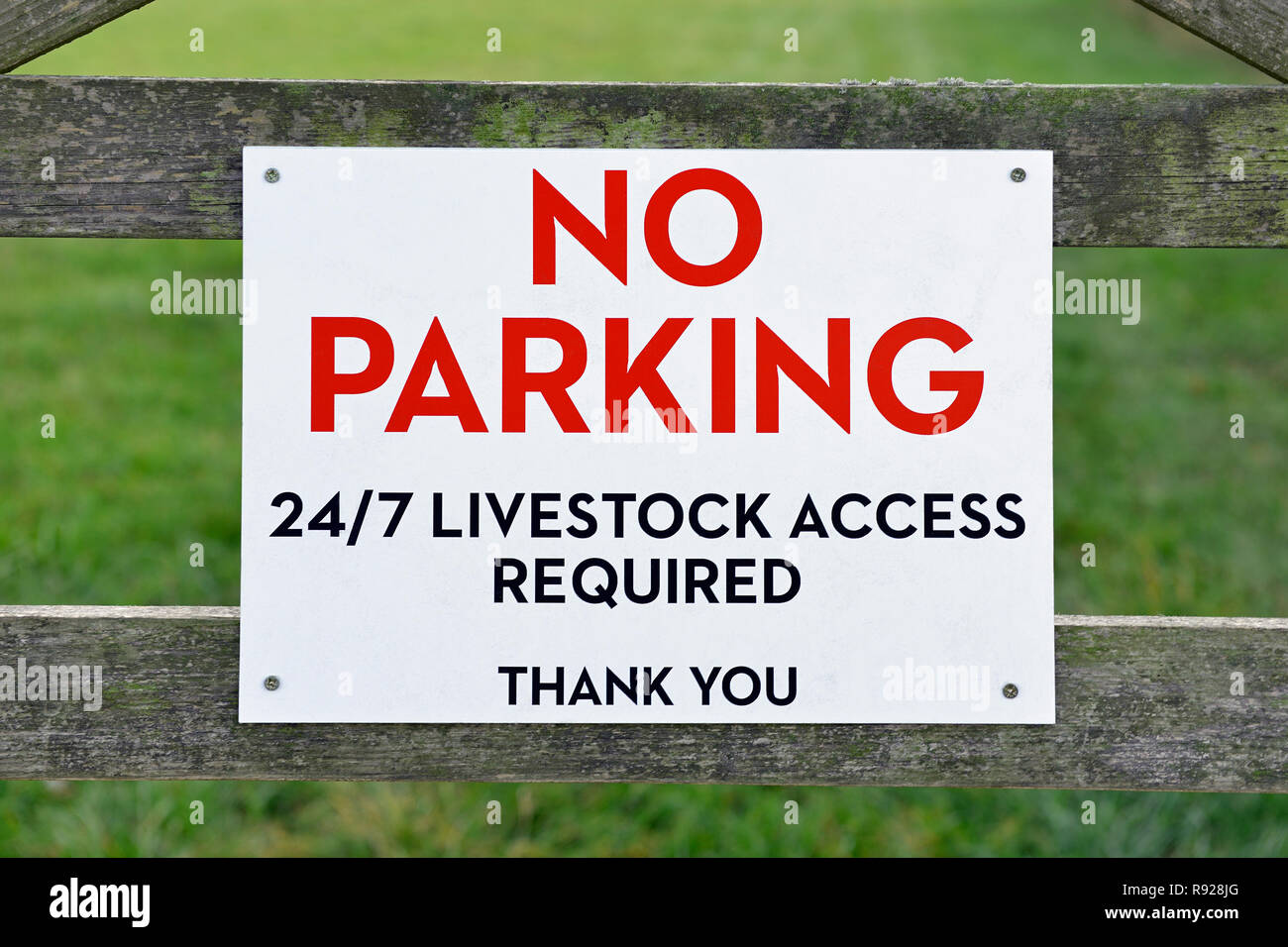 No Parking, Livestock Access Required, Sign on a gate to a field, Oxfordshire, England, United Kingdom - Stock Image