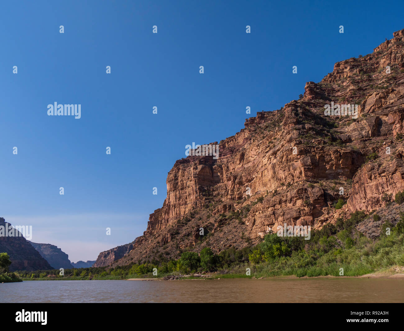 Cliffs along the river, lower Desolation Canyon north of Green River, Utah. - Stock Image