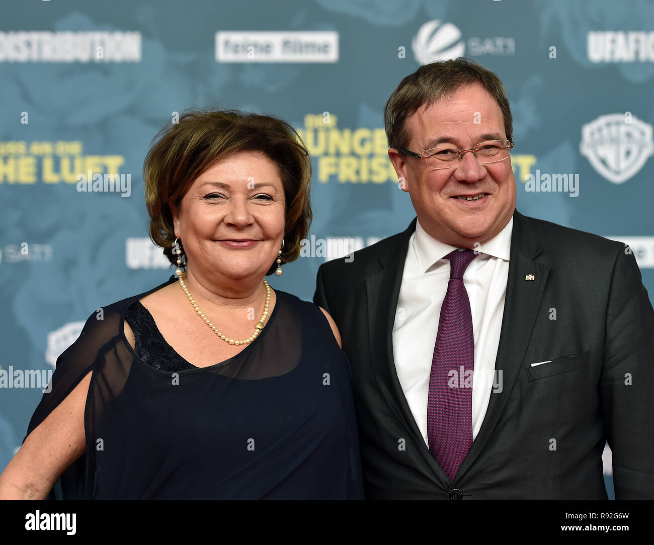 Essen Germany 18th Dec 2018 Prime Minister Armin Laschet Cdu And His Wife Susanne Come To