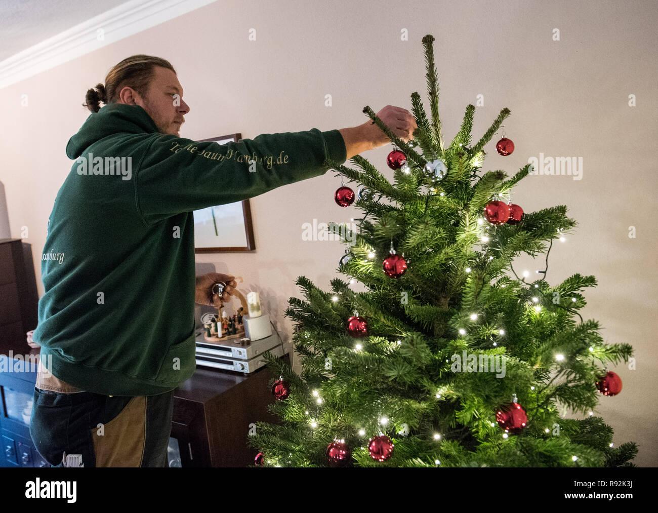 Hamburg Germany 17th Dec 2018 Gianni Kunstmann A Christmas Tree