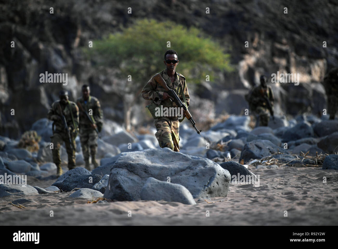 Djiboutian soldiers with the Rapid Intervention Battalion during infantry tactics and procedures training taught by U.S. Forces December 18, 2018 near Djibouti City, Djibouti. - Stock Image