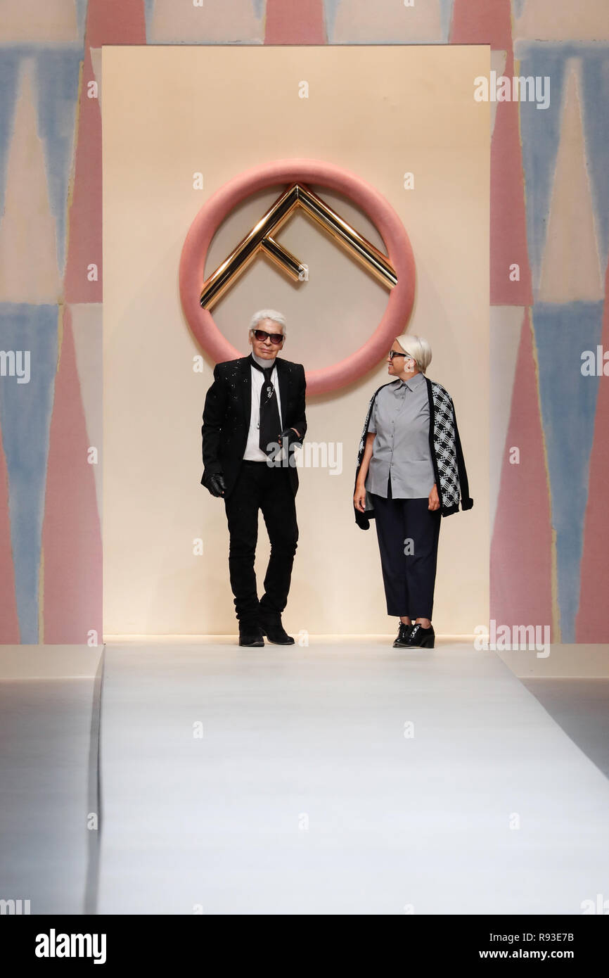 Milan Italy September 21 Designer Karl Lagerfeld And Silvia Venturini Fendi Acknowledging The Applause Of The Public After The Fendi Show During M Stock Photo Alamy