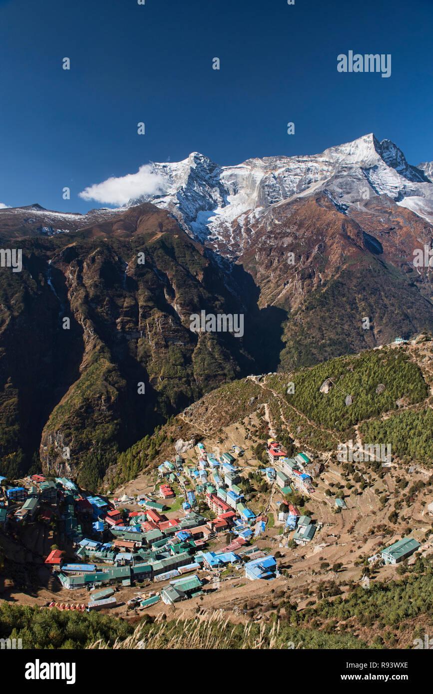 Kongde peak and Namche Bazaar, Everest region, Nepal - Stock Image