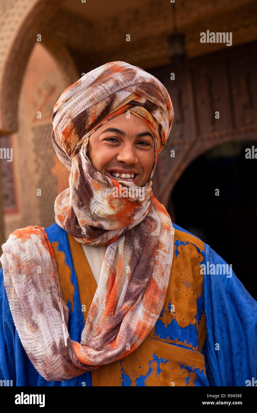 Morocco, Ouarzazate, man wearing traditional Berber tribal clothing - Stock Image