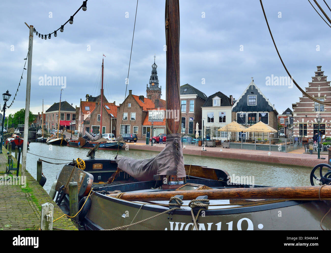 View of the centre of the historical town of Monnickendam on the coast of the Markermeer, and in the Waterland Region, North Holland, Netherlands - Stock Image