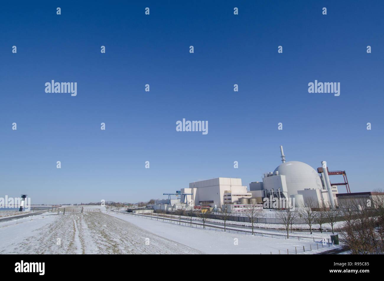12.03.2013, Germany, Schleswig-Holstein, Brokdorf - Das Atomkraftwerk hinter dem Deich an der Elbe. 0RX130312D596CAROEX.JPG GT [MODEL RELEASE: NOT APP - Stock Image
