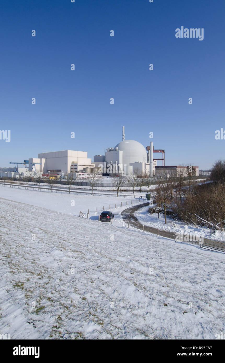 12.03.2013, Germany, Schleswig-Holstein, Brokdorf - Das Atomkraftwerk hinter dem Deich an der Elbe. 0RX130312D597CAROEX.JPG GT [MODEL RELEASE: NOT APP - Stock Image