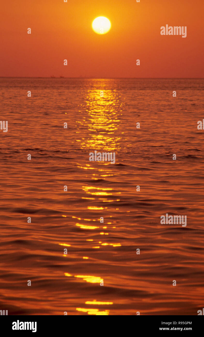 Sun with water - Stock Image